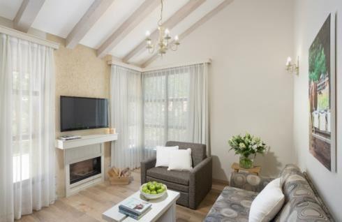 Bental Cabins - living room